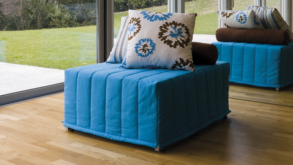 Chick Hocker, Pouf transformable en lit