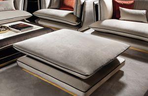 ALLURE pouf, Eleganter Sitzpuff mit poliertem Metallgestell