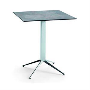 Teorema Q, Quadratischer Tisch für Bar und Restaurant
