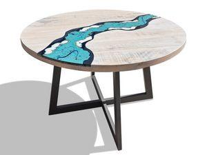River Oceanside, Runder Tisch aus Holz und Lavastein
