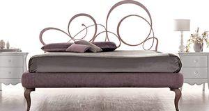Bizet Art. 921, Bett mit lasergeschnittener Eisenstruktur und von Hand veredelt