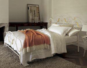 Mimì, Doppelbett mit Eisenstruktur