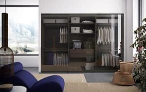 Vitrum, Kleiderschrank im poliertem Aluminium und klare Glastüren