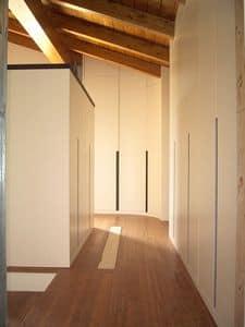 Wandschrank für Unterdachzimmer 05, Kleiderschrank anpassbar auf den Dachboden, mit einem exklusiven Design