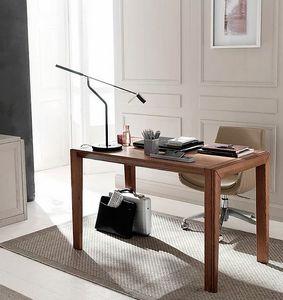 Tea, Praktischer und unverzichtbarer Schreibtisch