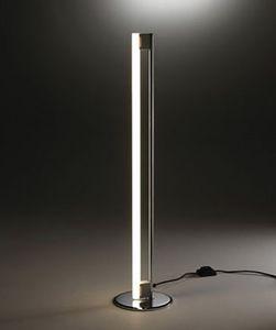 9, Stehlampe mit weißem Neon