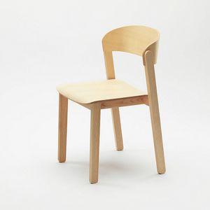 Pur, Stapelbarer Holzstuhl mit universeller Anziehungskraft