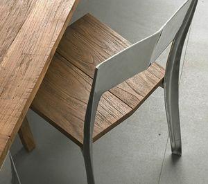 Noa, Stuhl aus massivem Teakholz und Aluminium