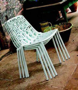 9008 Forest, Stapelbarer Stuhl für draußen und drinnen