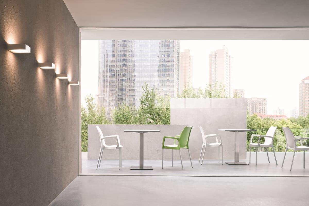 Tulip, Moderne Kunststoff-Stuhl für Gärten und Pools