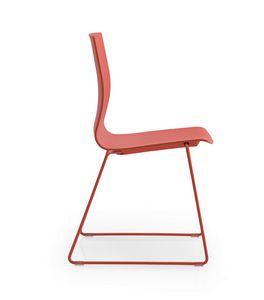 Q3, Stuhl mit Kufengestell, Schale aus Polypropylen