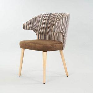 BS558A - Stuhl, Gepolsterter Stuhl mit Armlehnen