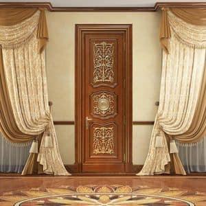 Andromeda, Tür von Hand geschnitzt, mit luxuriösen Dekorationen in Blattgold