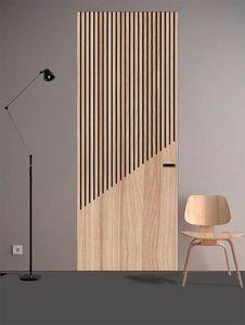 Cascade, Tür mit linearen Metalleinlagen