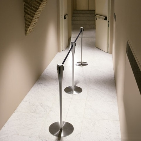 Battista column with stretchable tape, Complement Büro, Säulen mit abnehmbarem Band