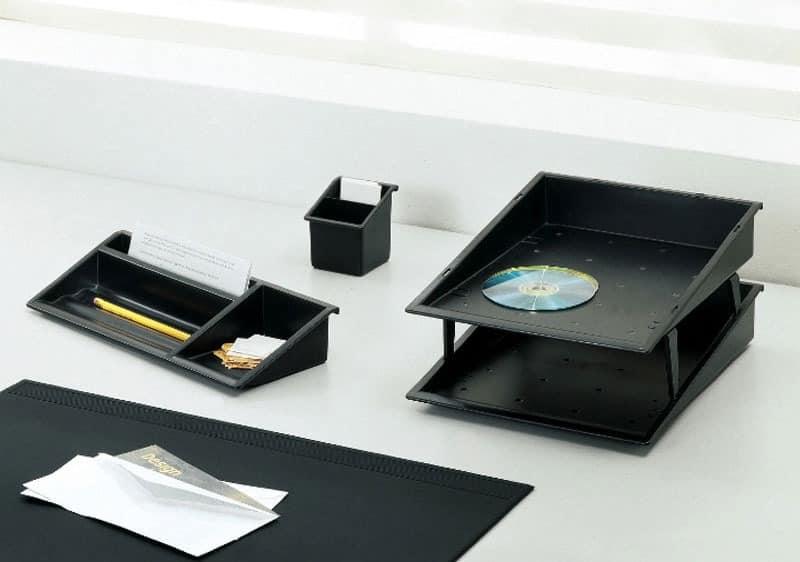 Desk up, Schreibtisch-Accessoires in farbigen Polymer
