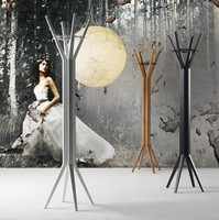Grillo, Moderne Holz Kleiderständer für Wohnzimmer