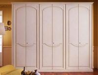Pegaso Kleiderschrank, Luxuriöse Holzschrank für Villen und Hotels